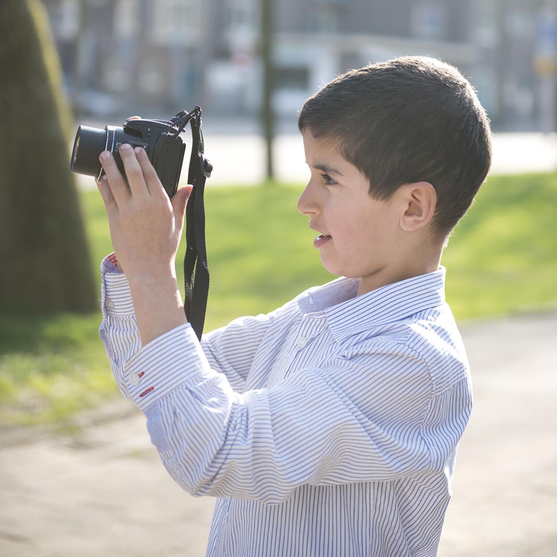 KIJK lr zorg door de lens van kinderen uit de Kolenkitbuurt 8 Les 2 foto club hr door Vera Duivenvoorden